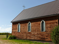 02 Little country church (annkelliott) Tags: alberta canada seofcalgary dinton stthomas'anglicanchurch architecture building small old wooden church countrychurch windows ruralscene builtin1906bypioneers usedinmoviebrokebackmountain outdoor summer 24july2017 fz200 fz2004 annkelliott anneelliott ©anneelliott2017 ©allrightsreserved