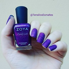 Zoya - Carter (Fraulein Ana ~) Tags: zoya esmalte nailpolish nailpolishblog esmaltes roxo sand glitter