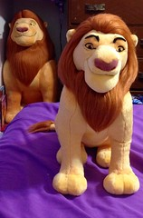"Disneys The Lion King 14"" and 34"" Mufasa plush. (80'scollector_geekstress) Tags: plushie small huge mufasa plush disney lionking tlk"