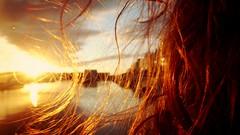 (Sa Shula de Tarifa) Tags: pelo hair rizado curly sol sun puerto harbor gijón asturias españa spain luz light atardecer sunset fela she her ella excursión trip