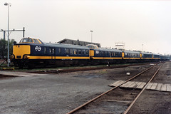 Beneluxstuurstandrijtuigen (lex_081) Tags: 11b01 rd 7658 rd7658 ns station roosendaal emplacement wrd mw benelux nmbs stuurstand stuurstandrijtuig 2500 meetrijtuig 220 19870501 220901 901