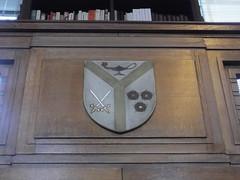 17th July 2017 (themostinept) Tags: shield heraldry senatehouselibrary london bloomsbury wc1 camden swords flowers lamp woodpanel books