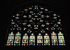 21 - Tours - Cathédrale Saint-Gatien - Vitrail (melina1965) Tags: juillet july 2007 centrevaldeloire indreetloire tours nikon d80 église églises church churches vitrail vitraux stainedglasswindow stainedglasswindows