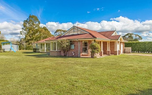 13 Rowland Rd, Bowral NSW 2576