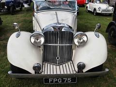 White car 4681 front (saxonfenken) Tags: 6887trans vintage old front part 6887 car pregamewinner
