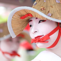 Summer in Kyoto, Japan (momoyama) Tags: japan kyoto maiko geisha girl woman red white canon 6d 85mm festival gion hat smile