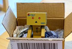 Nuevo amiguito (mike828 - Miguel Duran) Tags: juguetedanbopepsi robot juguete danbo danboard revoltech pepsi toy sony rx100 rx100mk2 rx100ii rx100m2