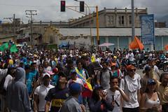 (Sebastian Astorga) Tags: calle ciudad desorden estudiantes marcha oposicion protestas represion urbana urbano venezuela violencia riots protests manifestations demonstrators police journalism