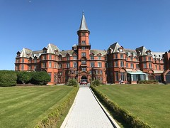 Slieve Donard Hotel, Newcastle, Co. Down (John D McDonald) Tags: slievedonardhotel hotel green grass lawn countydown codown down northernireland ni ulster geotagged blue sky bluesky southdown iphone iphone7plus