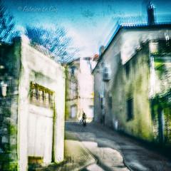 Repeindre un ciel d'hiver (Fabrice Le Coq) Tags: rue street flou bougé couleur ciel vert bleu silouhète piéton fabricelecoq ville batiment