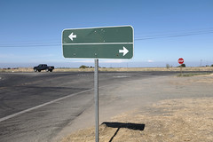 this way or that (Robert Couse-Baker) Tags: betweenrockandahardplace sign arrows direction road highway turn forkintheroad roadsign standardhighwaysigns manualonuniformtrafficcontroldevices roaddirectionalsign