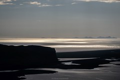 Coast in Iceland (bernd obervossbeck) Tags: atmosphere atmosphäre abendlicht eveninglight backlight gegenlicht coast küste goldenlight goldeneslicht silhouette insel island iceland wasser water atlanticocean atlantischerozean atlantik skandinavien scandinavia licht light fujixt1