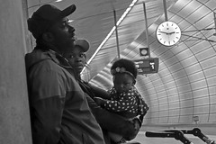 12 minutes to 3_DSC1043 (jonwaz) Tags: black white blanco y negro bw blackandwhite monochrome jonwaz malmö sweden railway station tunnel concrete architecture family people