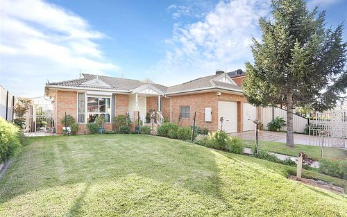 44 Woolnough Dr, Mill Park VIC 3082