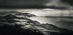 Lighting effect (Jean-Luc Peluchon) Tags: fz1000 lumix nb noiretblanc bw blackandwhite ocean mer sea montagne mountain rayon ray cloud nuage météo weather pluie rain paysage landscape impressive light basque euskara pyrénées monochrome dramatic graphic travel
