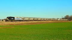 Indiana Northeastern leading a long grain train near Edon Ohio (Matt Ditton) Tags: edon ohio train railroad