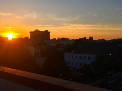 rooftop sunset (ekelly80) Tags: 4thofjuly independenceday july2017 dc washingtondc summer sunset sun sky glow orange bright light evening eveninglight roof view skyline