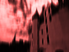 Ghost castle (François Tomasi) Tags: castle château red rouge yahoo google flickr lights light lumière françoistomasi nikon reflex pointdevue pointofview pov couleur color pierre numérique filtre composition photo photoshop photography photographie touraine indreetloire france europe tableau nuages nuage clouds cloud fantôme ciel sky window windows donjon juillet 2017 tableaunumérique digital ghost