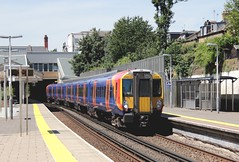 South West Trains electric unit 458519 Putney (jc_snapper) Tags: southernregion southwesterndivision southwesttrains stagecoachsouthwestern class458 alstom trein railway railroad emu triebwagen autom automotrice train putney juniper electrictrain