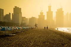 Busan beach in the morning (sydbad) Tags: sony sonya7 ilce7 loxia loxia250 beachwestinchosun busan korea