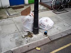20170724T15-41-48Z-P7240822 (fitzrovialitter) Tags: bloomsburyward fitzrovia geo:lat=5151999700 geo:lon=013694500 geotagged england unitedkingdom gbr peterfoster fitzrovialitter camden westminster rubbish litter dumping flytipping trash garbage london urban street environment streetphotography westend centrallondon documentary authenticstreet captureone littergram geosetter exiftool olympusem1markii mzuiko 1240mmpro