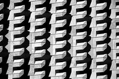 Valletta City Gate (gianclaudio.curia) Tags: malta valletta minimalismo bianconero blackwhite architettura renzopiano altocontrasto nikon d7100 nikkor18140