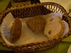 P7151069 (tatsuya.fukata) Tags: thailand samutprakan cabanagarden restaurant italian food bread