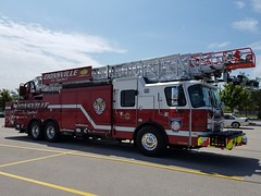 Zionsville Ladder 93 - Tallest Truck in North America (Central Ohio Emergency Response) Tags: zionsville indiana fire department ladder aerial 137 eone
