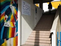 ESPI est-tu là (amor du 94) Tags: 15ème architecture couleur eiffeltrocadéro entrailles escalier immeuble lignes parissud passants sujet texture beaugrenelle paris