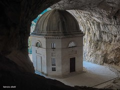 tempio del valadier (Fabrizio Diletti (Fermo, Italia)) Tags: frasassi grotte santamariainfrasaxa tempiovaladier arte art cave marche italia italy architettura landscape romanico middleage medioevo chiesa church cross temple abbey abbazia fuji genga