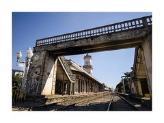Footbridge (W Gaspar) Tags: footbridge railroad railway juizdefora minasgerais minas brazil brasil southamerica latinamerica photoborder transportation architecture urban street nikon d5100 sigma 1020mm wideangle wgaspar