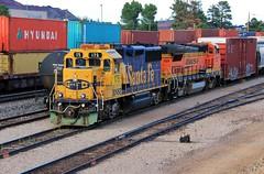 Blue/Yellow (BravoDelta1999) Tags: atchisontopekaandsantafe atsf railroad santafe burlingtonnorthernsantafe bnsf railway seligmansubdivision flagstaff arizona emd gp60 175 manifest train