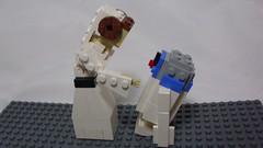 Princess Leia and R2-D2 (andresignatius) Tags: lego miniland starwars princess leia r2d2