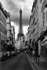 Street view. Paris, juillet 2017 (Bernard Pichon) Tags: paris îledefrance france fr bpi760 eiffel