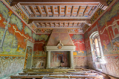 Castello Rosso (tobi_urbex) Tags: urbex urban exploration lost lostplaces abandoned decay decadenza abbandono italia forgotten dimenticato italy castle castello
