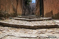Old paths... (Mario Pellerito) Tags: canon eos 60d 18135 erice italia italie italy mariopellerito mario pellerito art sicilia sicilie sicily old paths scale trapani sizilien pov
