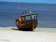 Usedom: Fischerboot am Strand (magritknapp) Tags: ostsee fischerboot strand baltic sea fishing boat beach plage bateau de pêche en mer baltique mar báltico playa barco pesca praia baltico spiaggia barca da