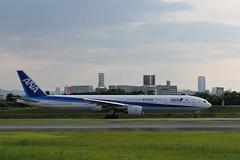 UP3A4506 (ken1_japan) Tags: 大阪国際空港 伊丹空港 itm 伊丹スカイパーク スカイランドハラダ japan osaka airplane ana jal canon 7dmkⅱ ef70200mm f28lisiiusm