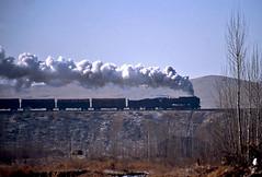 Morning silhouette (Bingley Hall) Tags: rail railway railroad transport train transportation trainspotting locomotive engine steam qj 2102 asia china neimongol yamenmiao qj6751 freight silhouette jitong