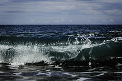 (MingWs) Tags: ocean blue sky water nature beach wave summer surf taiwan nikon d5100 50mm
