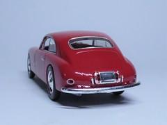 Maserati A6 1500 Pininfarina 1949 (10) (dougie.d) Tags: hachette italia italy leomodels partwork model modelauto automodel modelcar 143 scale diecast maserati pininfarina 1949 1500