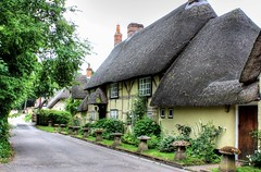 A Quiet Country Lane! (clivea2z) Tags: unitedkingdom greatbritain hampshire wherwell testvalley rivertest thatchedcottage cottage thatchedroof cliveardontz listedbuilding andover