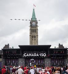 Canada 150 (www.eileenseto.photography) Tags: canada canadaday ontario ottawa parliamenthill snowbirds celebration celebrations crowd downtown formation public show canadianforces