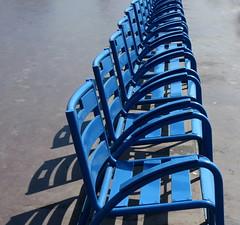 Les chaises bleues (bernard.bonifassi) Tags: bb088 06 alpesmaritimes 2017 juillet counteadenissa nice nissa nissalabella chaisebleu mentalitanissarda leschaisesbleues