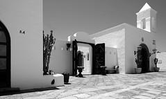 the plaza (ELECTROLITE photography) Tags: theplaza plazadelaermita plaza city architecture blackandwhite blackwhite bw black white sw schwarzweiss schwarz weiss monochrome einfarbig noiretblanc noirblanc noir blanc electrolitephotography electrolite