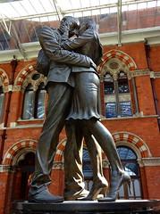 The Meeting Place (Snapshooter46) Tags: paulday sculptor sculpture themeetingplace saintpancras railwaystation london manandwoman embracing artwork bronze trainshed