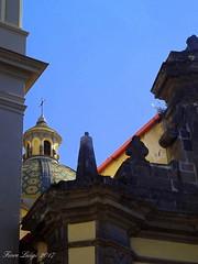 Particolare chiesa Santi Ciro e Giovanni (FIORE Luigi) Tags: pietralavica chiesa barocco vicoequense campania sud croce cupola costierasorrentina cielo architettura sky allaperto