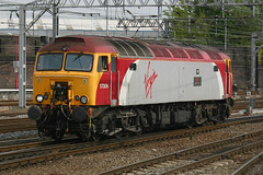 57306, Crewe, May 24th 2006 (Southsea_Matt) Tags: 57306 47814 47659 47242 d1919 brush type4class57 virgintrains westcoastmainline wcml crewe cheshire england unitedkingdom canon 10d may 2006 spring train railway thunderbird railroad track publictransport station