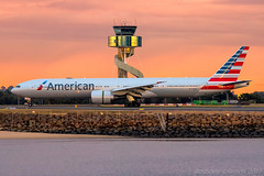 N718AN American Airlines Boeing 777-323(ER) 34L SYD/YSSY 28/7/2017 (TonyJ86) Tags: n718an american americanairlines aaaal boeing 777 b773 b77w 777300 777323 777323er widebody twinjet twinengine aircraft aviation airliner airplane aeroplane plane jet jetliner jetaircraft jetplane passenger international flight fly avporn avgeek aviationporn arrival landing airport syd yssy sydneyairport sydneykingsfordsmith mascot sydney nsw newsouthwales australia planespotting nikon d750 nikond750 nikkor70200mmf28vrii nikontc20eiii sunrise atctower travel