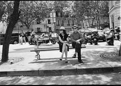PARIS (dominiquedruon) Tags: paris love couple hexar af